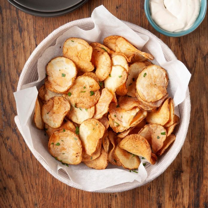 Air Fryer Potato Chips In A Bowl