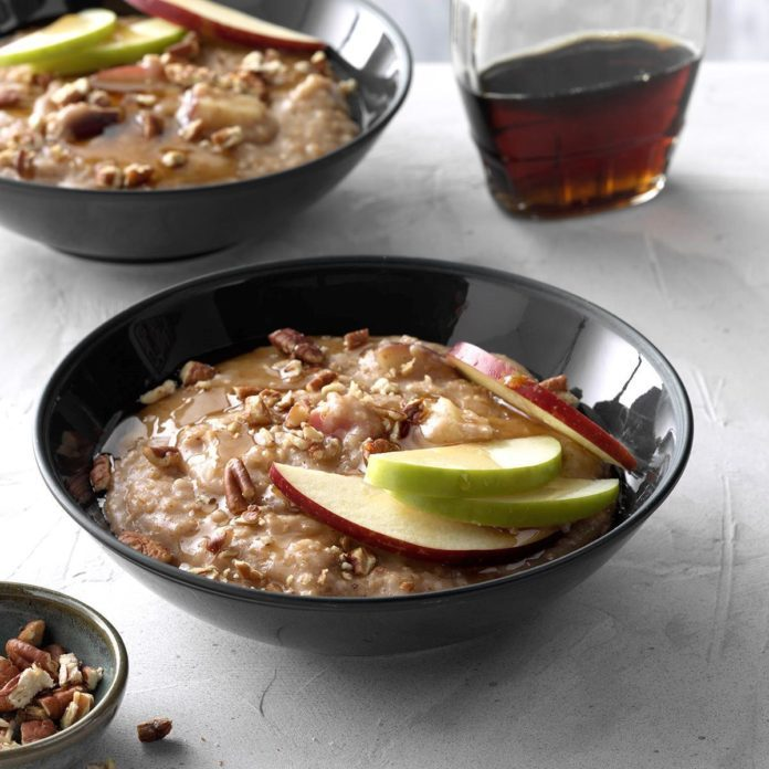Pressure-Cooker Apple Pie Steel-Cut Oatmeal