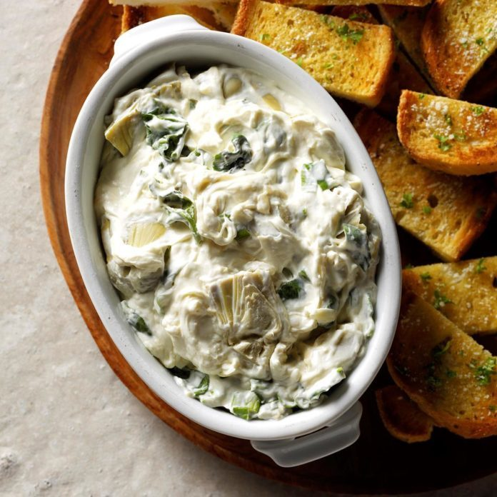 Artichoke Spread with Garlic Bread
