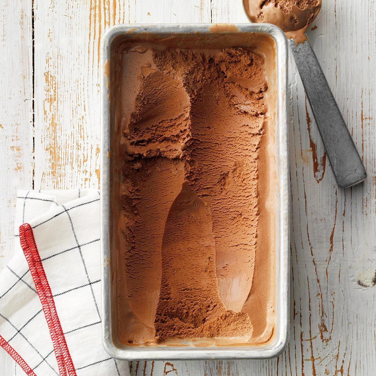 Dark chocolate ice cream with paprika