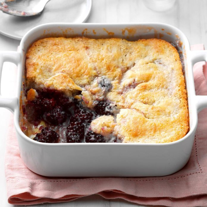 Mama's Blackberry Cobbler