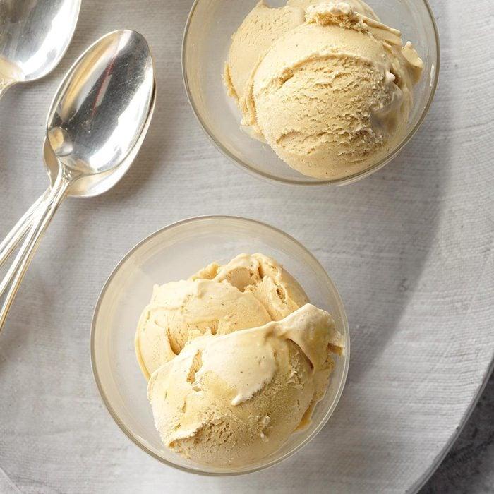 No-churn gingerbread ice cream