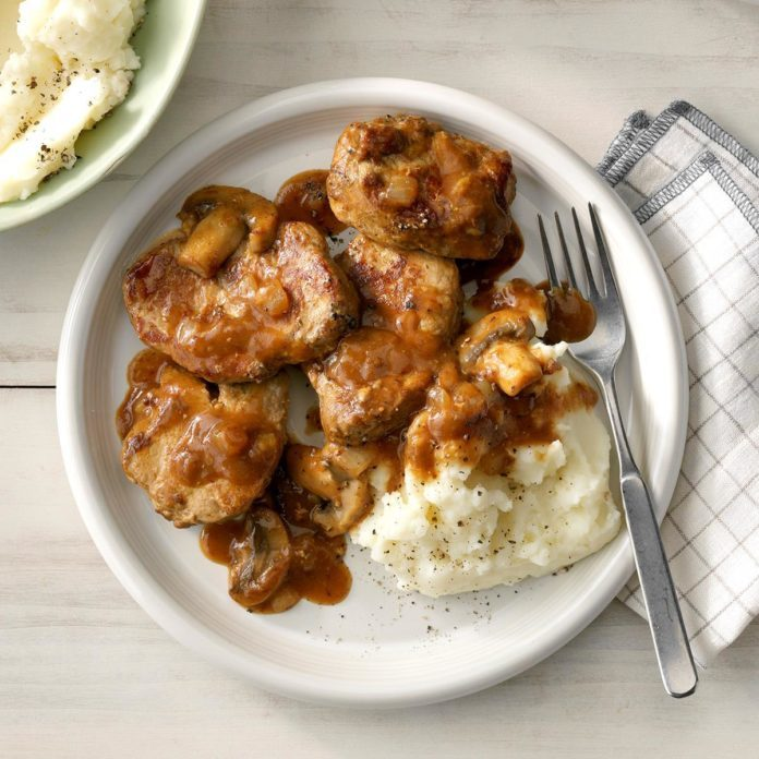 Day 25: Peppered Pork with Mushroom Sauce