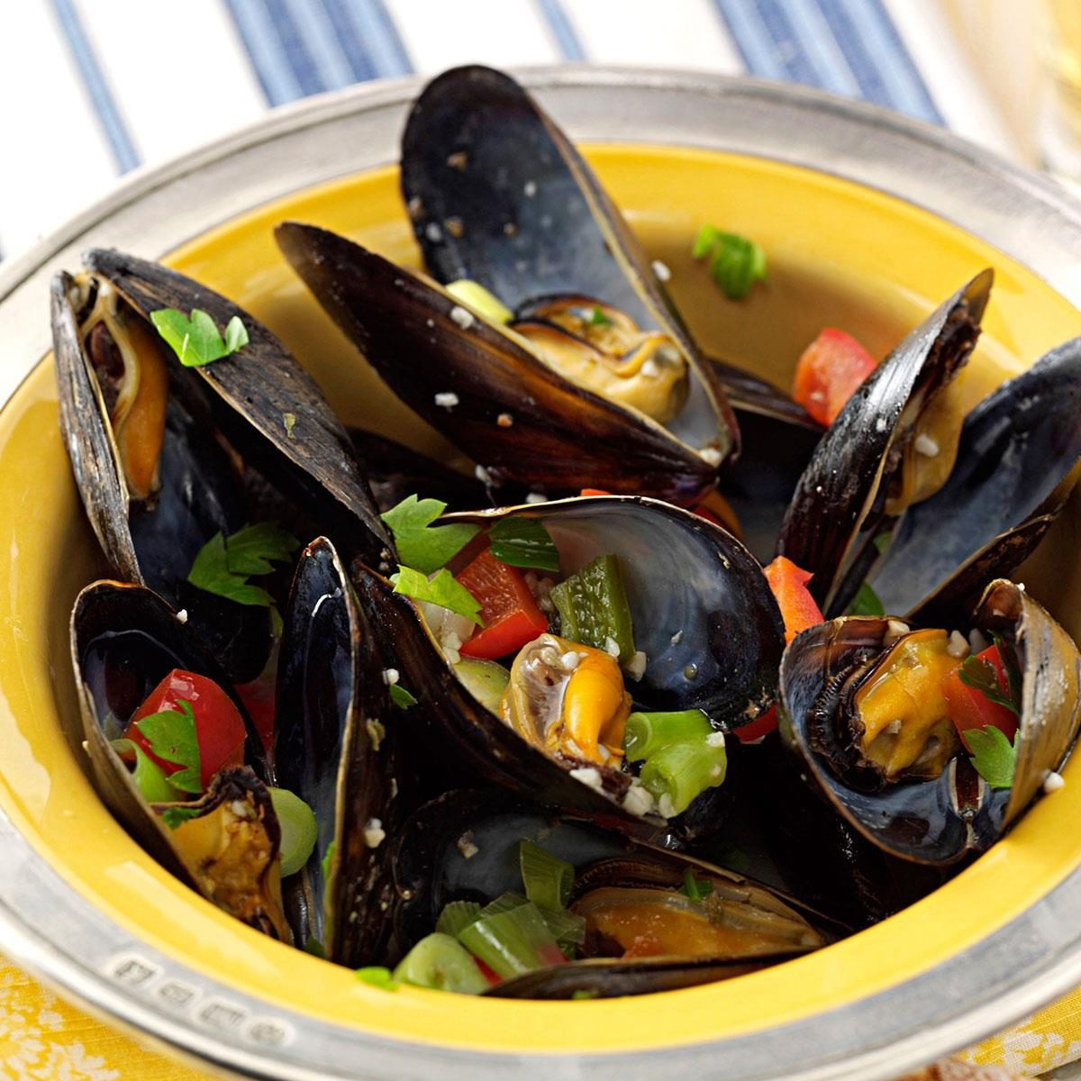 Pressure-Cooker Steamed Mussels with Peppers
