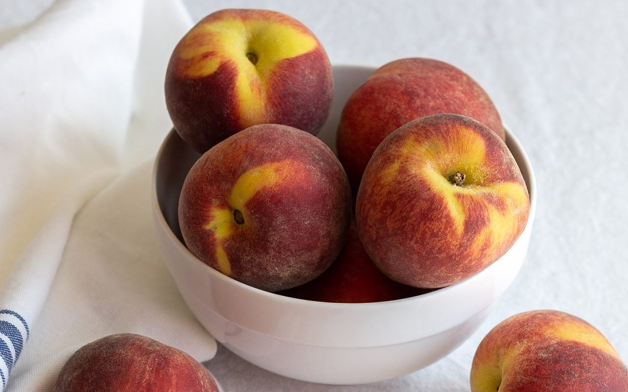 How To Peel Peaches With Step By Step Photos Taste Of Home
