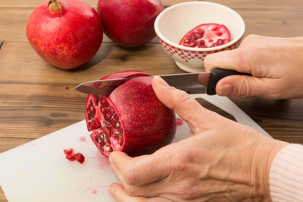 How To Deseed A Pomegranate It S Easy Taste Of Home