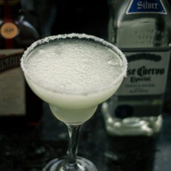 How to Make a Frozen Margarita
