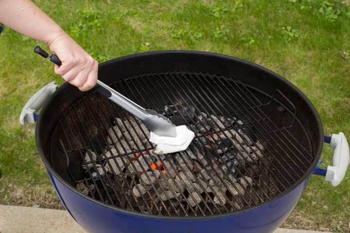 cleaning grill