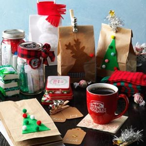 """Best Holiday Tradition: Create Family Time with a """"Give Back"""" Day"""