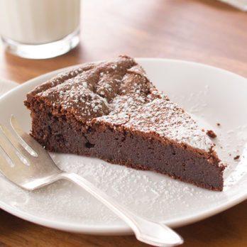 How to Make Flourless Chocolate Cake as Good as a Restaurant's