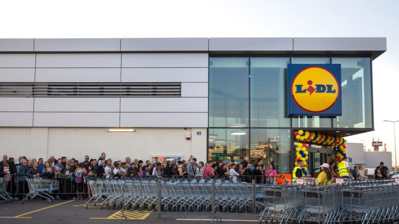 Crowd waiting for the grand opening of Lidl