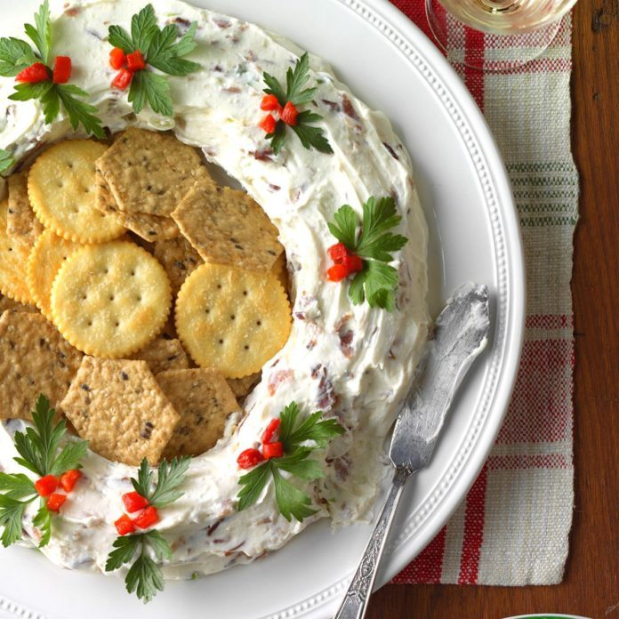 55 Hors d'Oeuvres You'd Find at Every 1950s Holiday Party