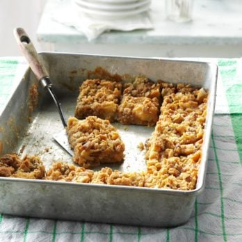 These Caramel Apple Oatmeal Cookie Bars Are Perfect for Fall