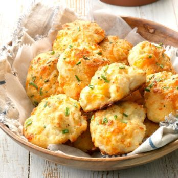 How to Make Copycat Cheddar Bay Biscuits