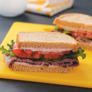Deli beef sandwiches with horseradish mayo