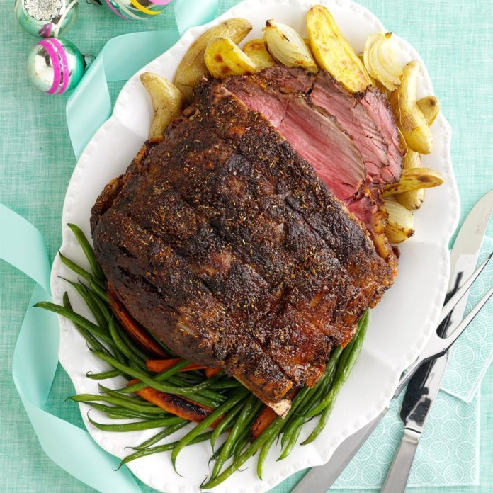 Learn How to Cook a Spectacular Standing Rib Roast