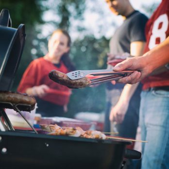 9 Grilling Mistakes That Could Be Dangerous This Tailgating Season