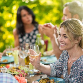 15 Guest Mistakes that Frustrate Dinner Party Hosts