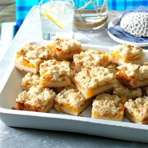 This Sweet, Crumbly Dessert Tastes Like Summer