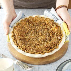 Walnut-Streusel Pumpkin Pie