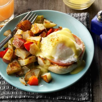 How to Make Easy Hollandaise Sauce