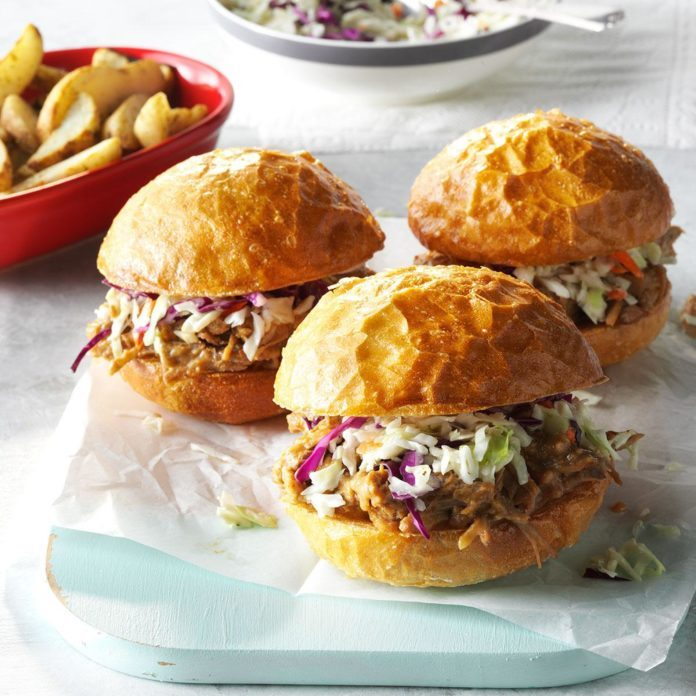 34 Fun Slow Cooker Pulled Pork Recipes
