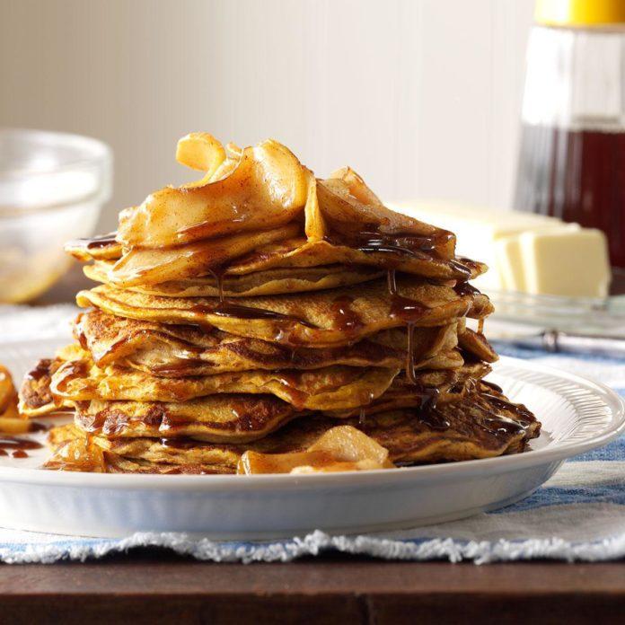 45 Festive Thanksgiving Breakfast Recipes