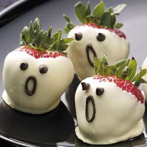 strawberry ghosts - Funny Halloween Recipes