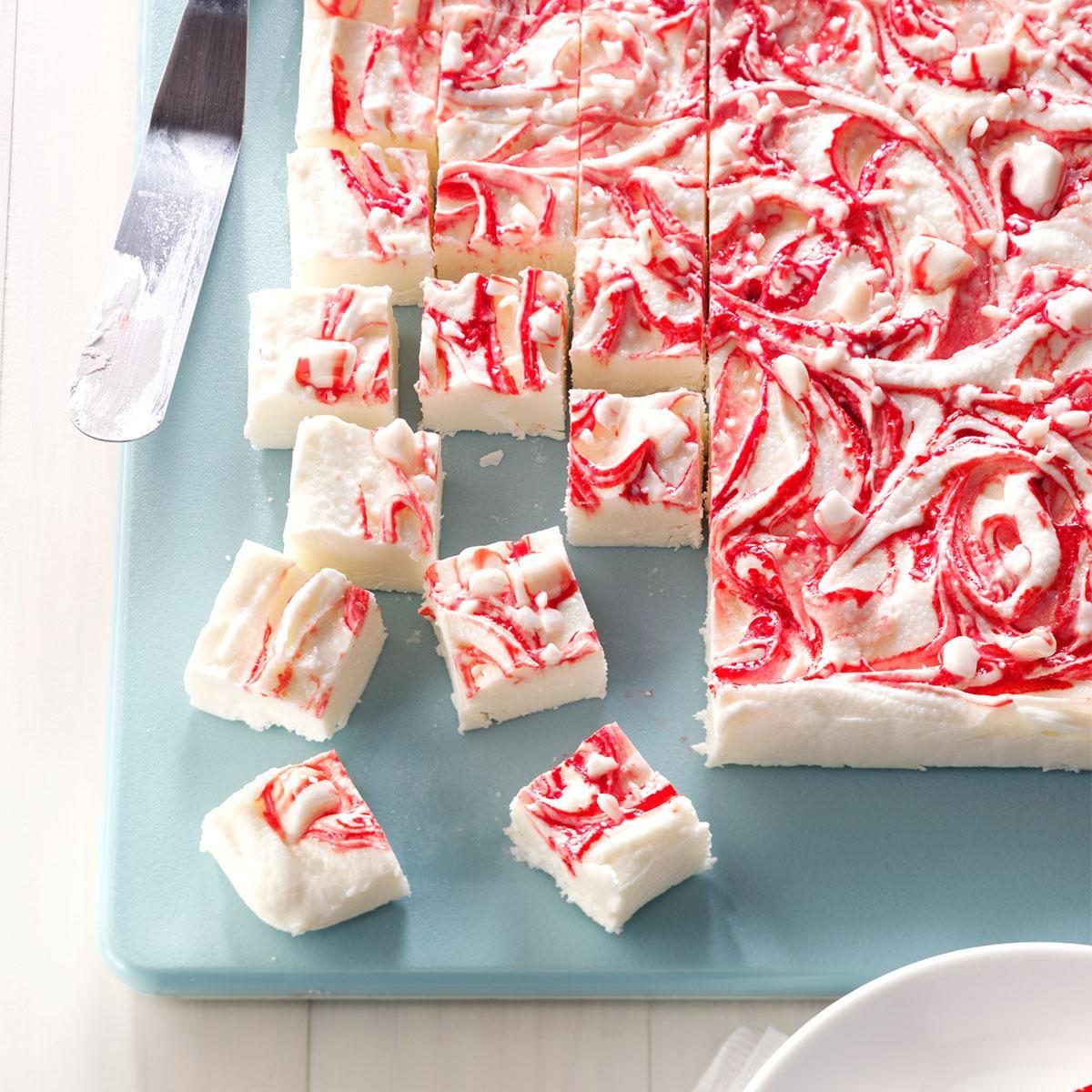 Great Christmas Gifts To Make: 19 Christmas Fudge Recipes That Make Great Gifts