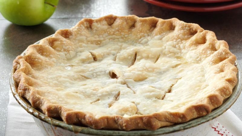 How to Make a Vegan Apple Pie with a Flaky Homemade Crust