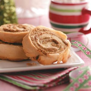 Almond-Pistachio Dessert Roll-Ups