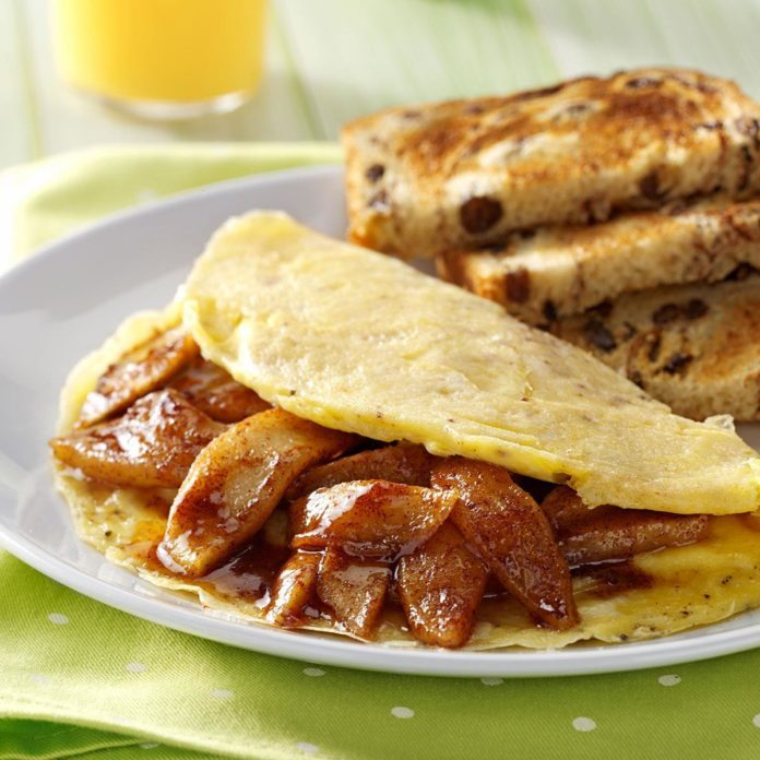 Apple Cinnamon Omelet