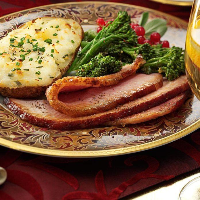 Apple-Glazed Holiday Ham