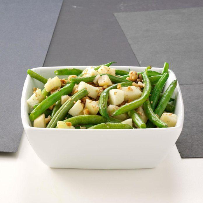 Apple-Green Bean Saute