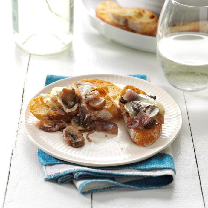 Baked Brie with Mushrooms