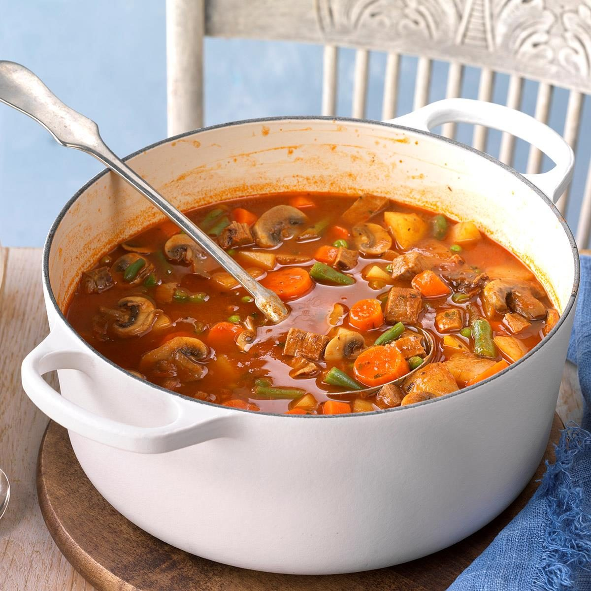 70 Low Calorie Recipes For High Stress Days: Beef Veggie Soup Recipe