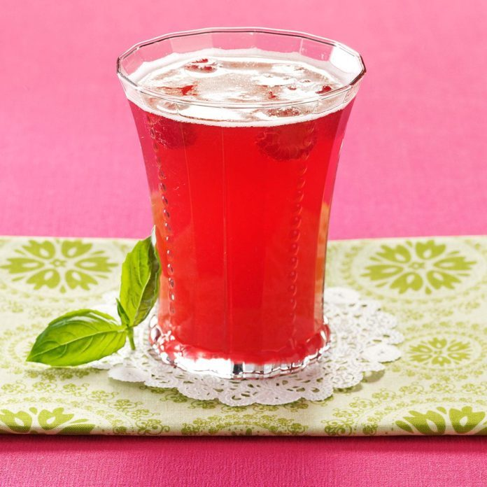 Bella Basil Raspberry Tea
