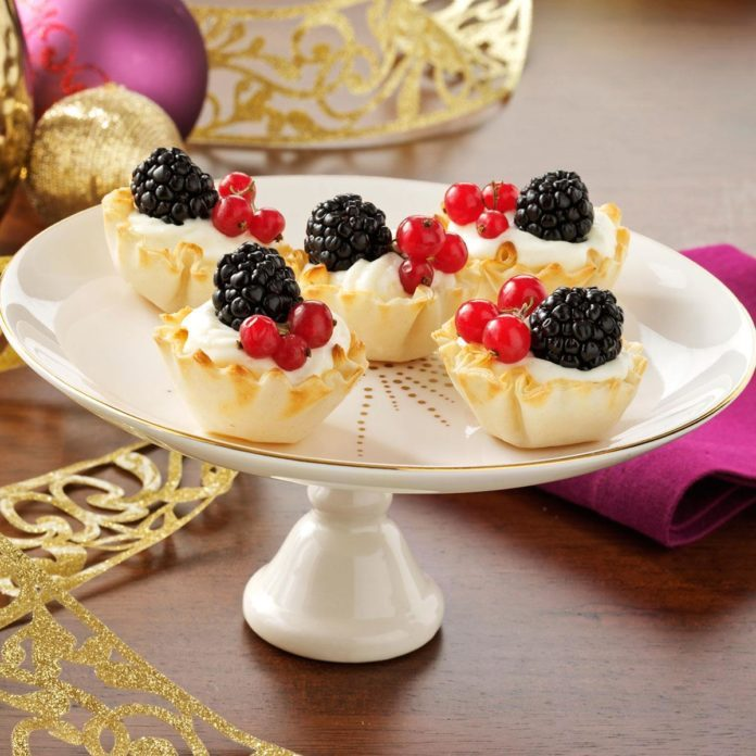 Berries & Swedish Cream Tartlets