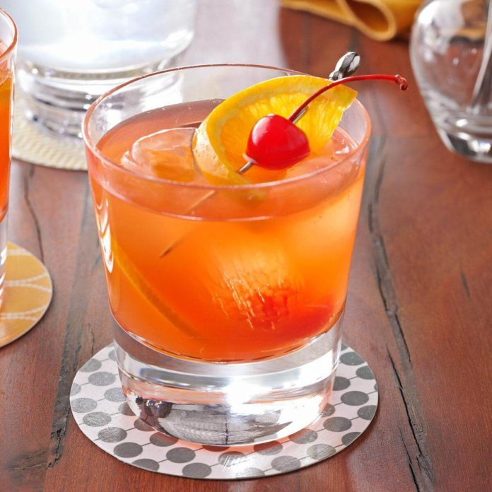 Old Hollywood Beverage: Brandy Old-Fashioned Sweet