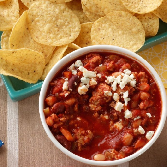 Buffalo-Style Chicken Chili Dip