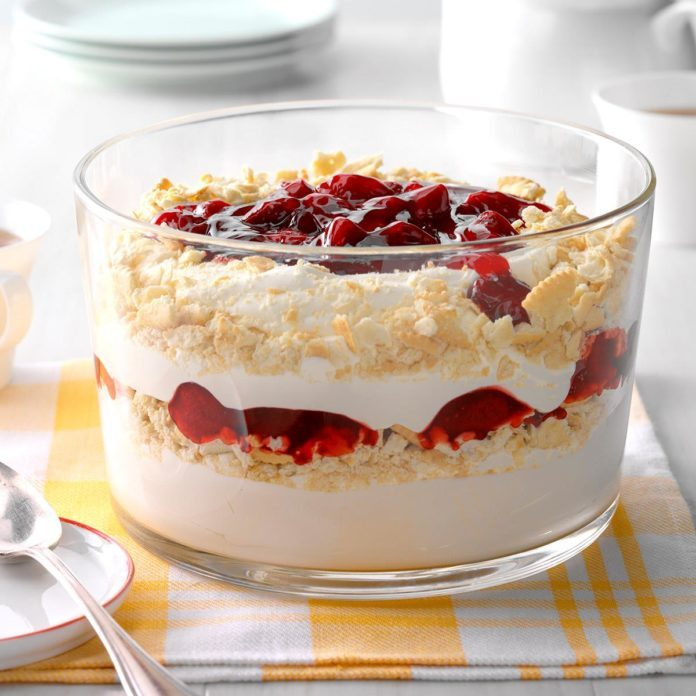 Cheesecake Strawberry Trifle