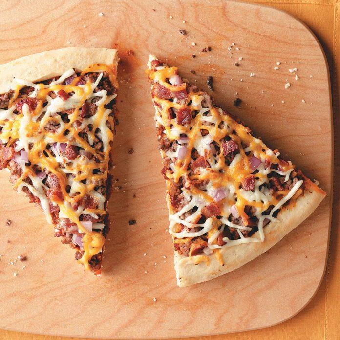 Cheesy Bacon Burger Pizza Recipe