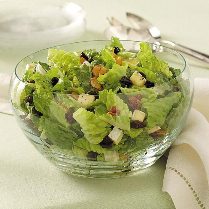 Cherry Brie Tossed Salad