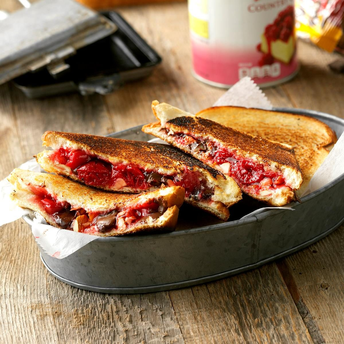 Taste of Home: Best Loved Pies: Unknown: 9780898218046 ...