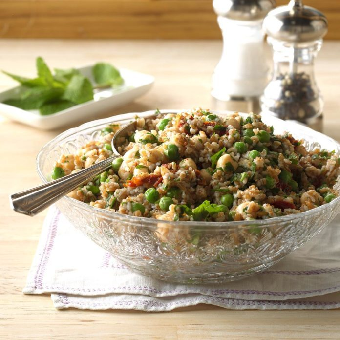 Day 29: Chickpea Mint Tabbouleh
