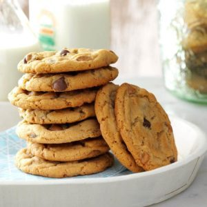 32 Top-Notch Chocolate Chip Cookie Recipes (Plus Tips!)