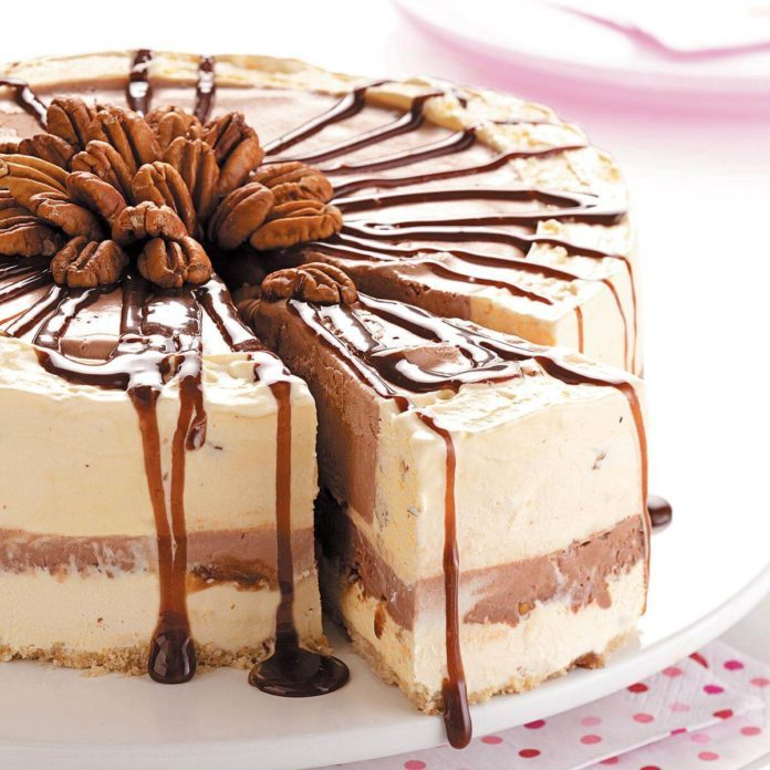 Strawberries Cream Torte Recipe: Chocolate Pecan Ice Cream Torte Recipe