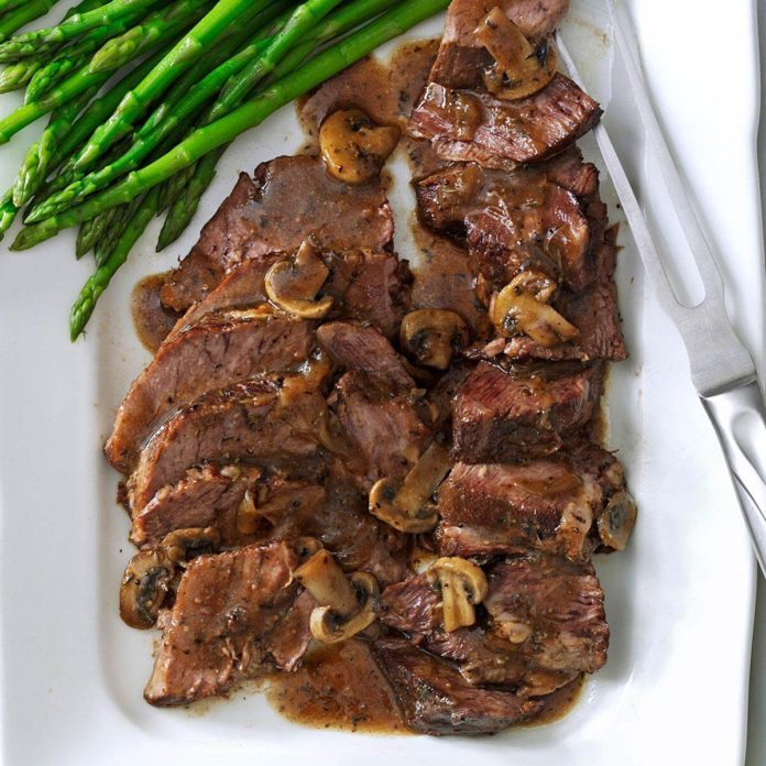 Country Chuck Roast with Mushroom Gravy
