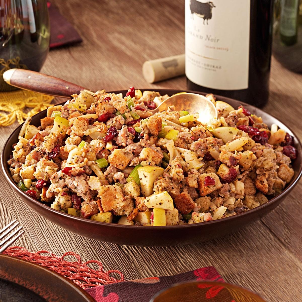 Cranberry Apple Stuffing | Taste of Home