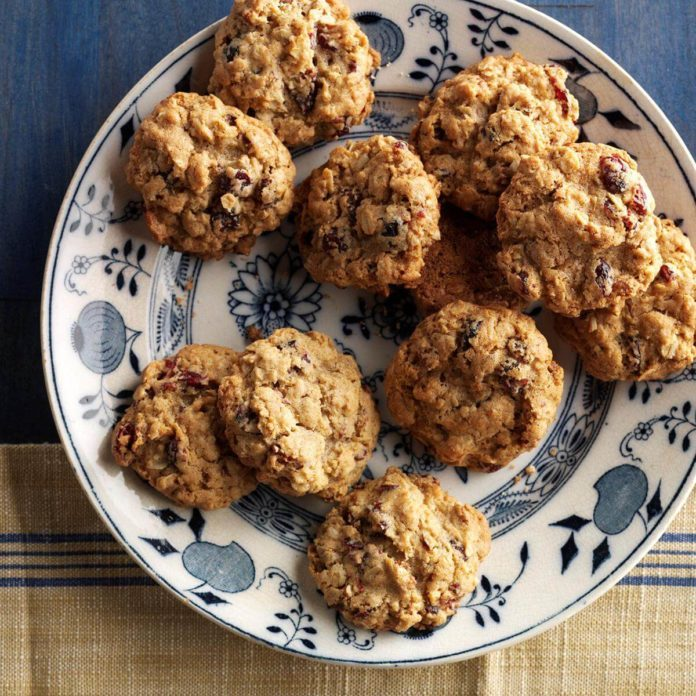 Day 11: Cranberry Pecan Oatmeal Cookies